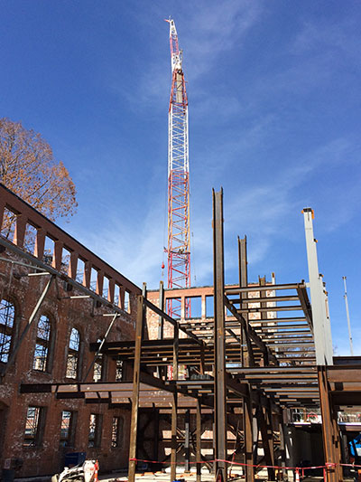 Crane and steel in New Neilson Library construction