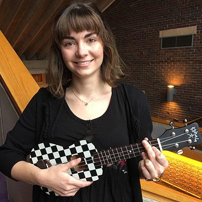 Natalia Perkins '19 with ukulele
