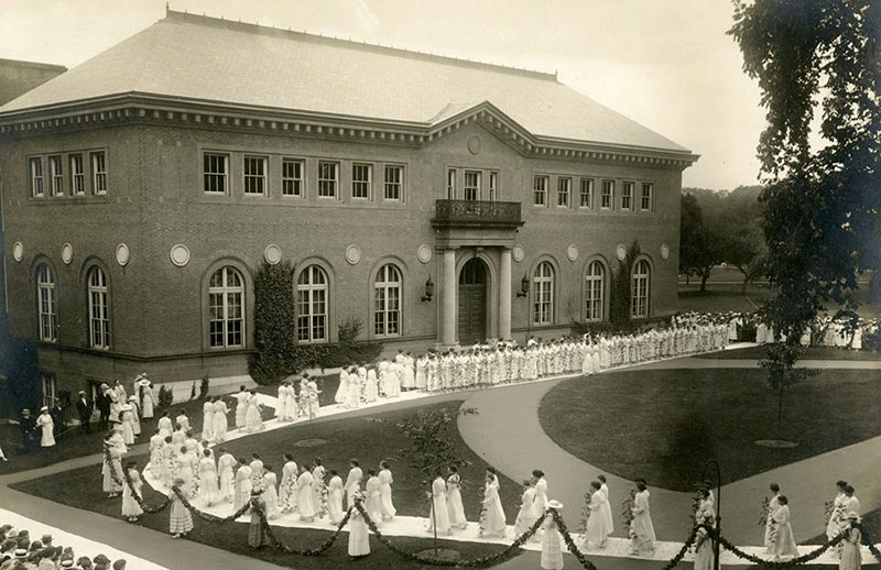 Ivy Day ceremony, circa 1917